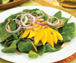 Spinach-Mango Salad With Hot And Sour Dressing